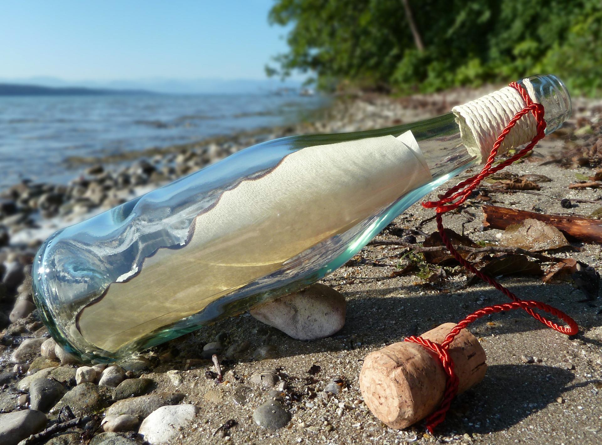Verschicken Sie eine Flaschenpost an der Ostsee - Maritime Urlaubsgrüße